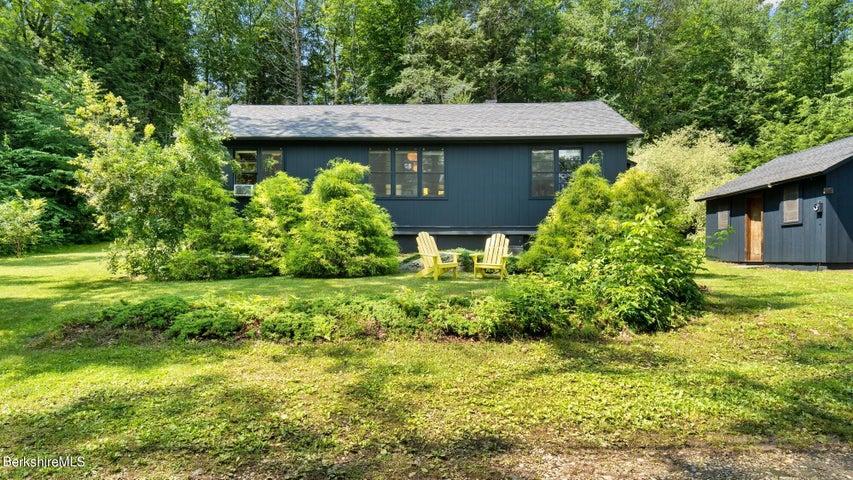 49 Pine Rd, New Marlborough, MA 01259
