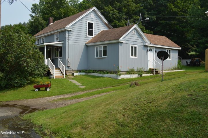 50 Maple St, Becket, MA 01223