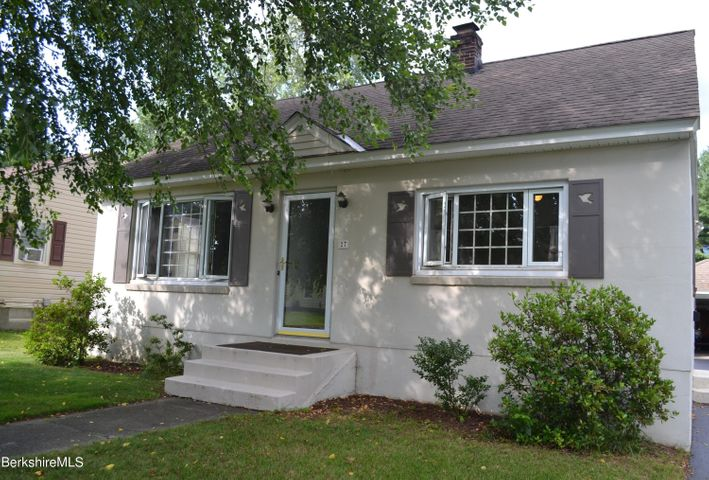27 Herie Ave, Pittsfield, MA 01201
