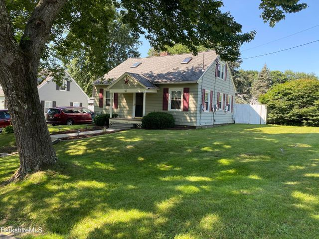 53 Yorkshire Ave, Pittsfield, MA 01201