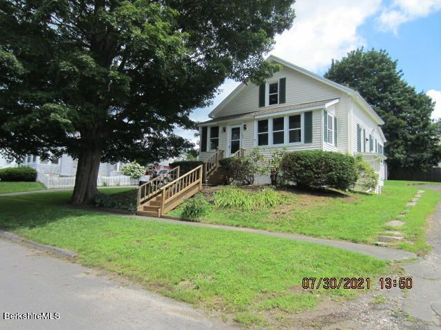 186 Montgomery Ave Ext, Pittsfield, MA 01201
