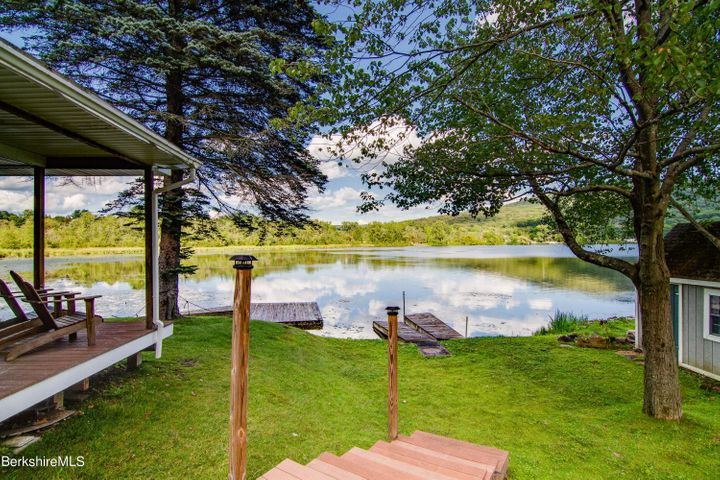 71 Willow Ln, Cheshire, MA 01225