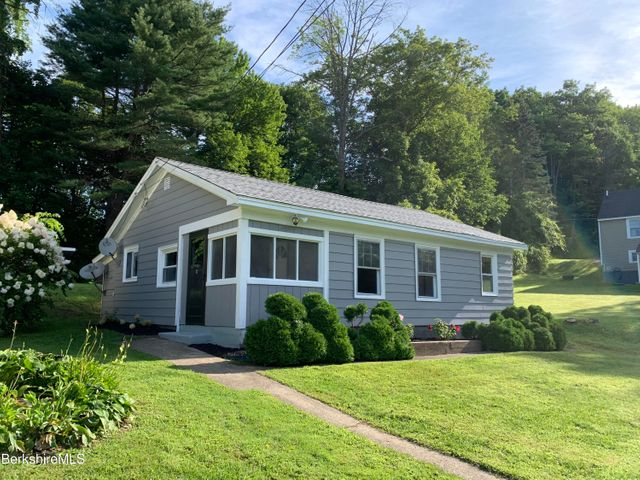 20 Farview Heights, Clarksburg, MA 01247