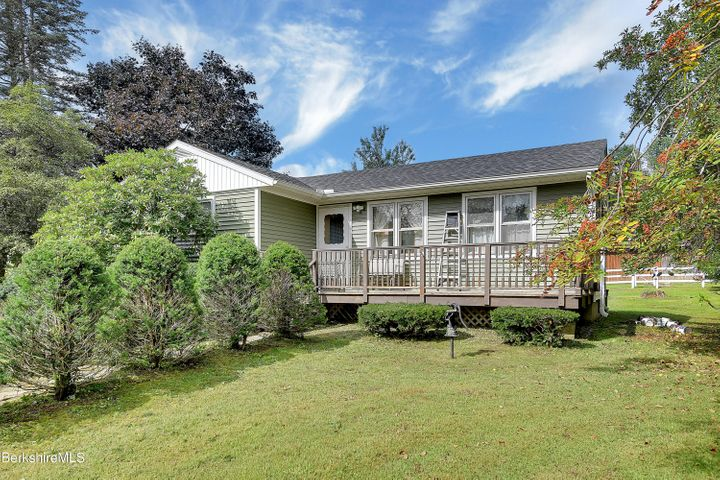 31 New Windsor Rd, Hinsdale, MA 01235