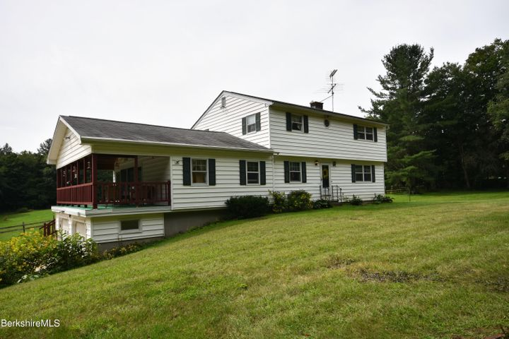372 Michaels Rd, Hinsdale, MA 01235