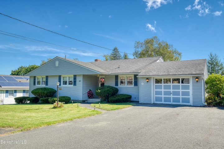 53 Donna Ave, Pittsfield, MA 01201