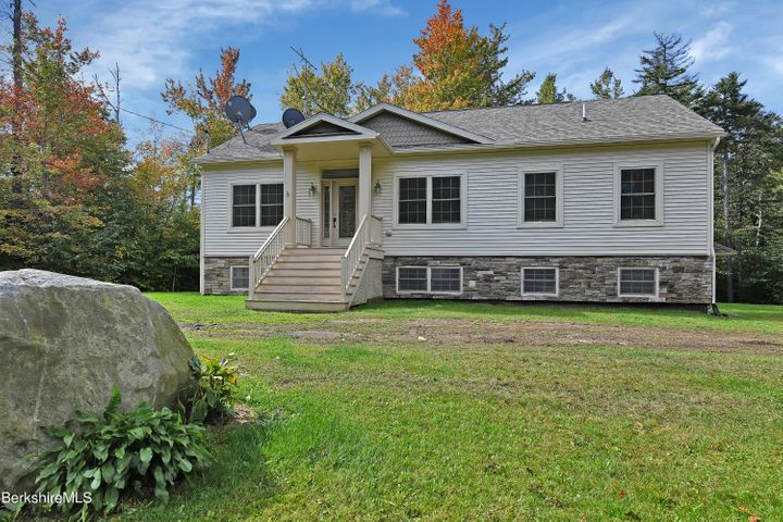 235 Fred Snow Rd, Becket, MA 01223