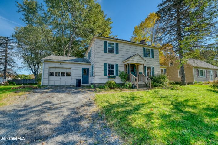 65 Adelaide Ave, Pittsfield, MA 01201