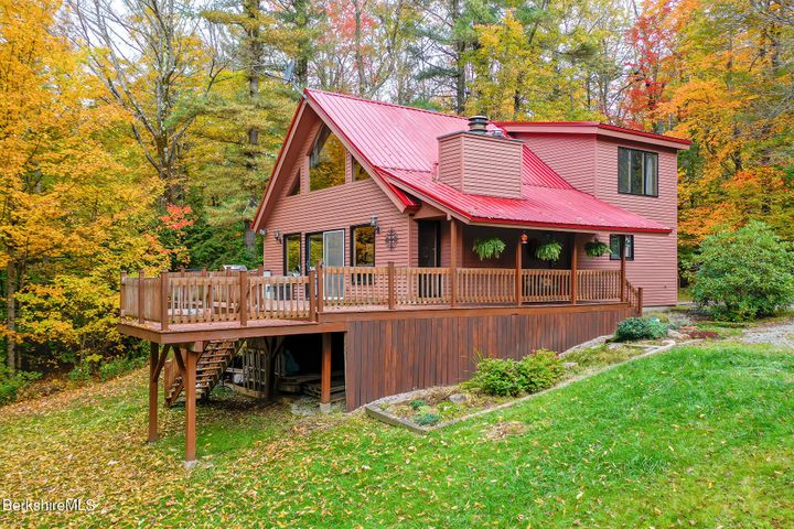 1027 Fred Snow Rd, Becket, MA 01223