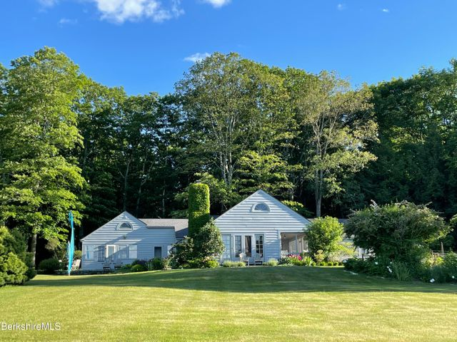 30 Pinecrest Hill Rd, Egremont, MA 01258