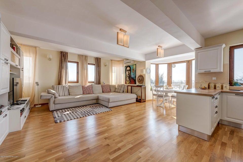 Vanzare Casa 82 m²