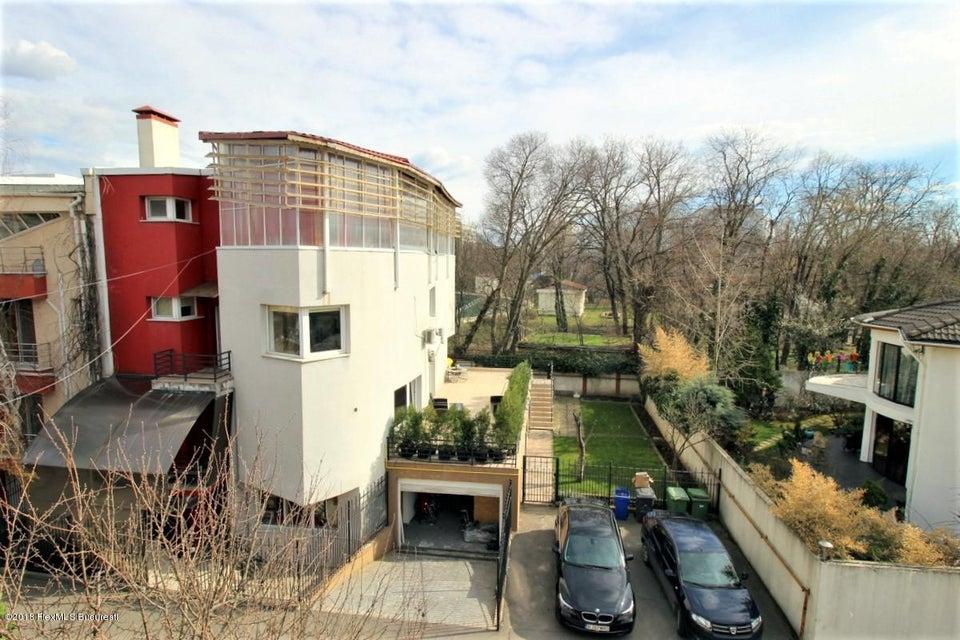 Vanzare Casa 325 m²