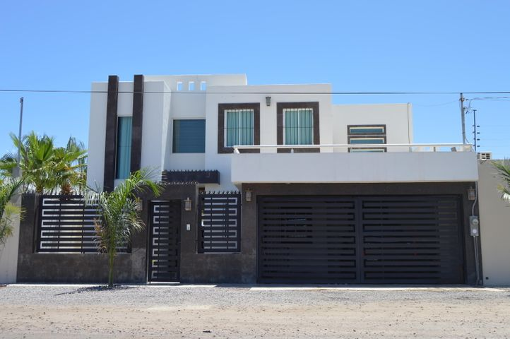 La Posada Calle Guaycuras, Beatiful house with pool in, La Paz,