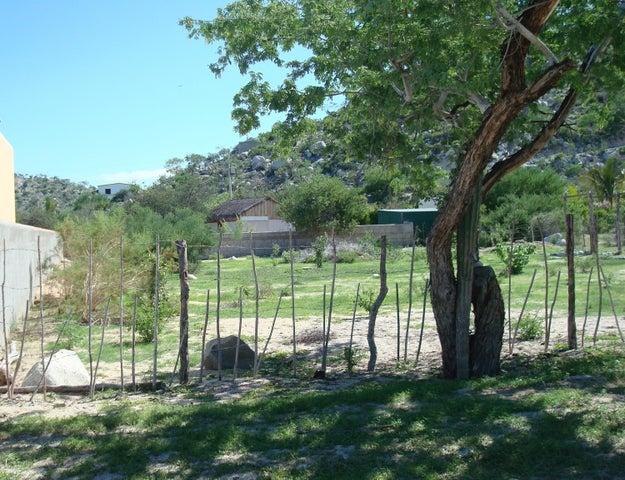 Calle Jonathan, Oasis Lot, East Cape,