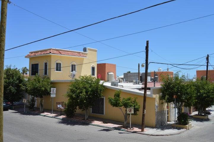 Clavel y Algodón street, Girasoles, house, La Paz,