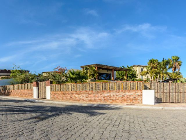 Santa Carmela calle, Casa Andrea, Cabo Corridor,