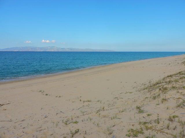 Bahia Turquesa, Beachfront Lot, La Paz,
