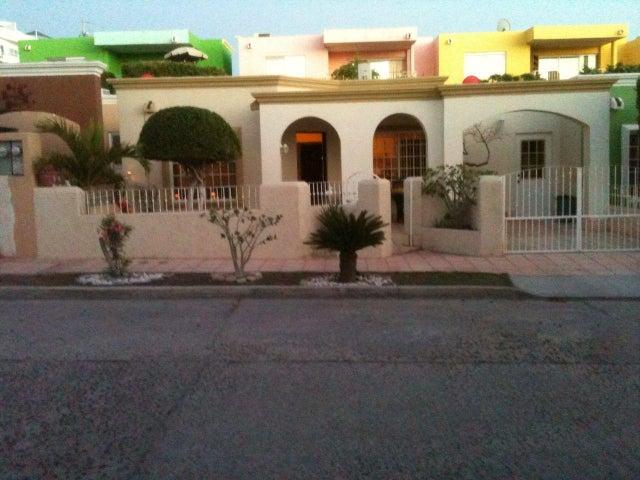 135 Calle Venegas e/Ulloa e Isleño, Casa Ana, La Paz,