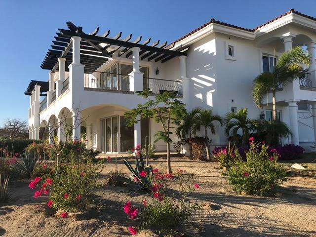 Bugambilia Villa, Villas de Oro, San Jose Corridor,
