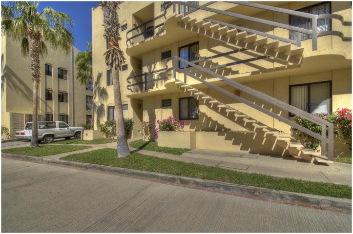 & garage Retorno Punta Gorda, Club La Costa Phase 2 Villa 9, San Jose del Cabo,
