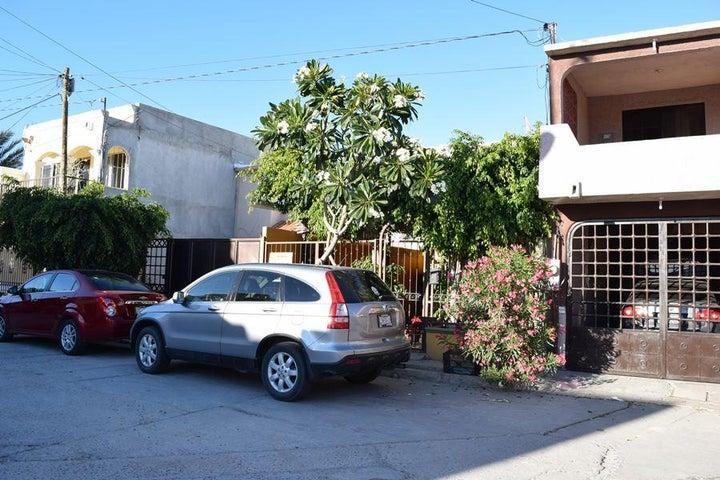 612 Iztacihuatl, Casa Amarilla, La Paz,
