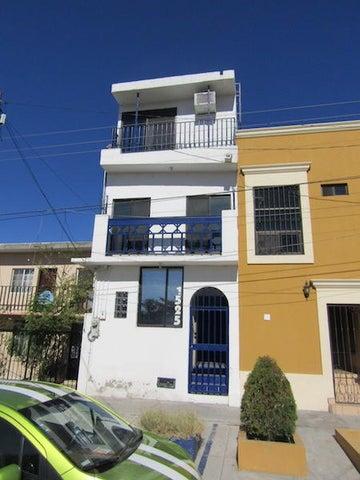 Josefa Ortiz de Dominguez, Casa Michelle, La Paz,