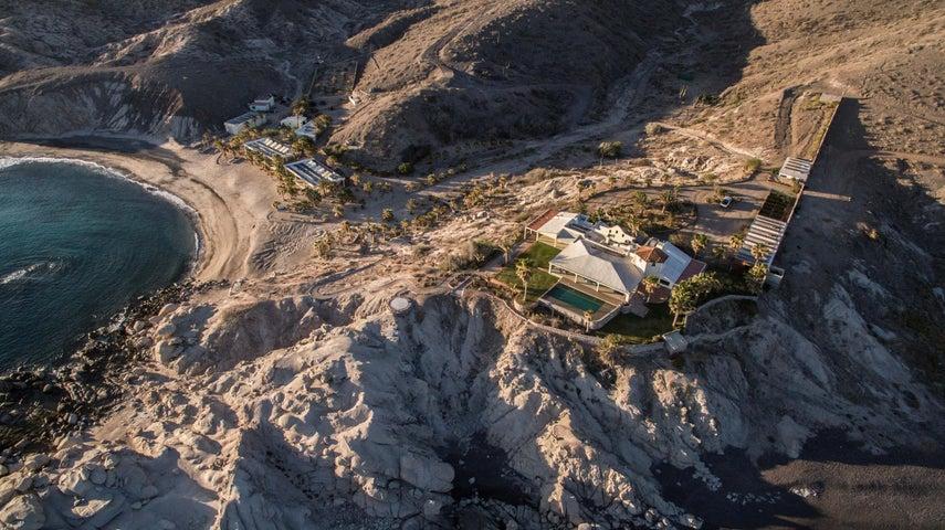 Puerto Mexia, Boulder Cove, La Paz,