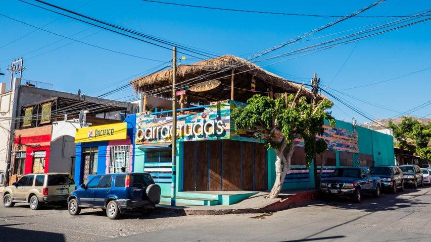 Esq. Ninos Heroes y Zaragoza, Mini plaza Cabo Down Town, Cabo San Lucas,
