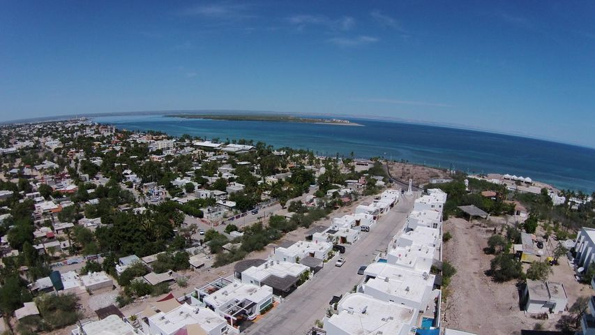 275 residencial alttus, Gated , Pool and View !, La Paz,