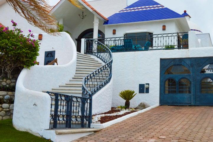 Calle Pelicanos, Casa en La Piedra, La Paz,