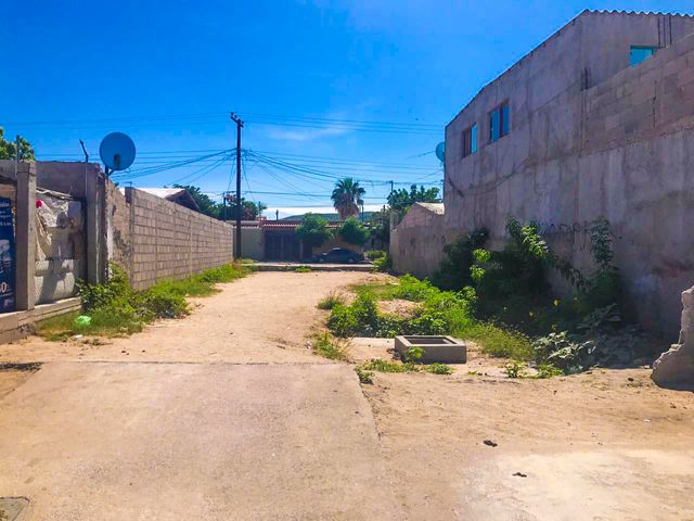 Calle Sierra de la Giganta, Terreno Salvatierra, La Paz,
