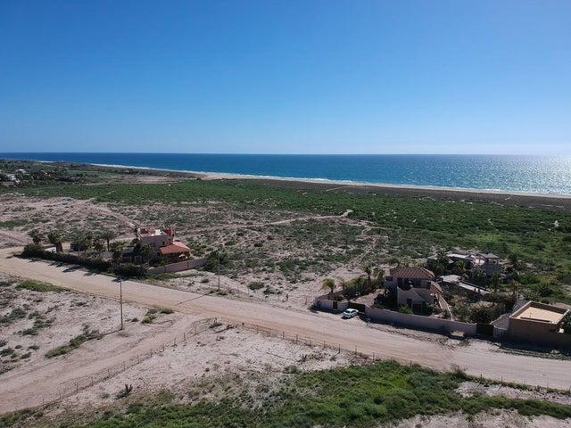 1 acre close to Pacific on camino Las Playitas