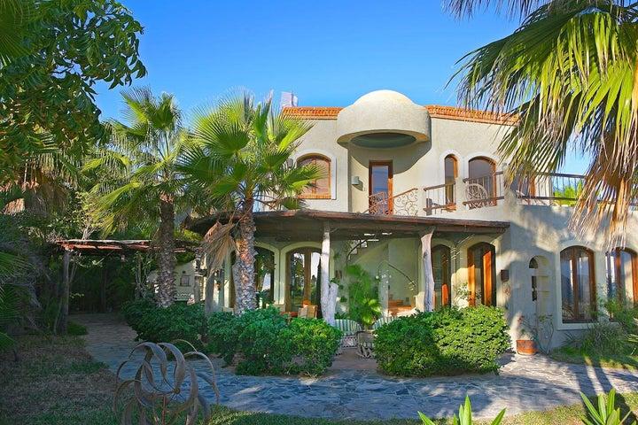 Casa Lowrey, East Cape,
