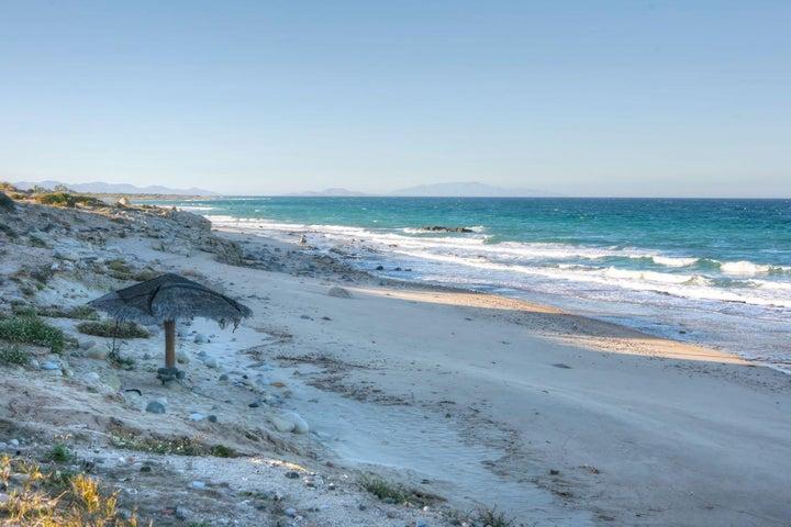 Abel beachfront homesite 32, East Cape,