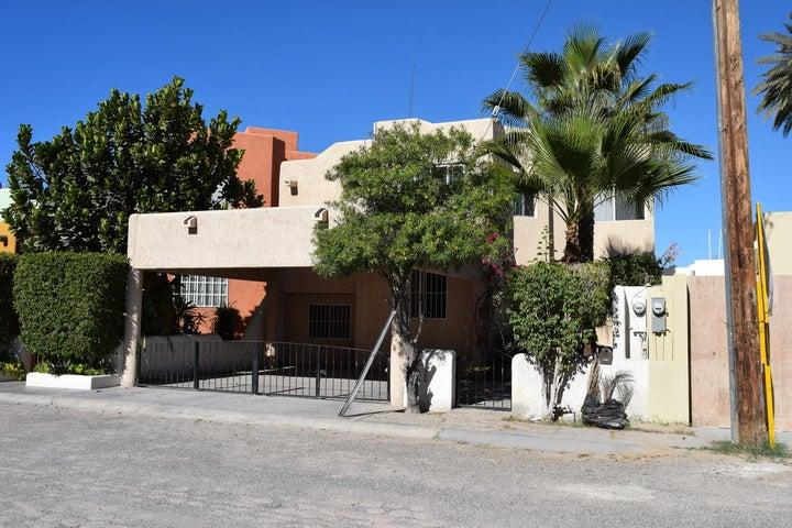 121 Retorno Los Peces, Casa Peces, La Paz,