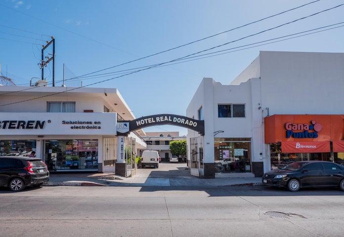 1.- Hotel Real Dorado
