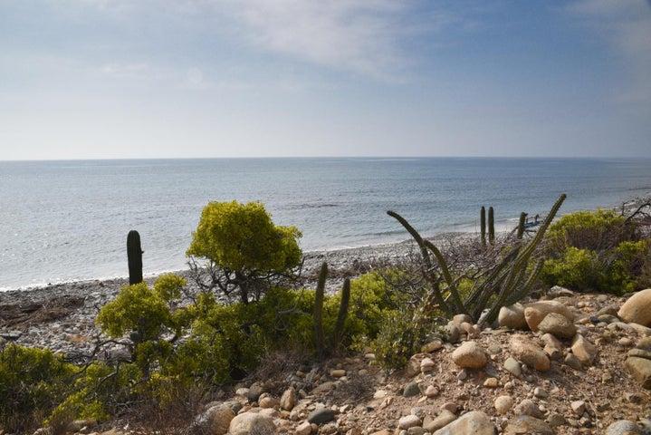 Montemar Beachfront Lot 16, East Cape,