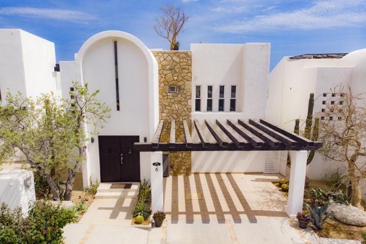 2nd Right in community, Villa Nicola, Cabo Corridor,