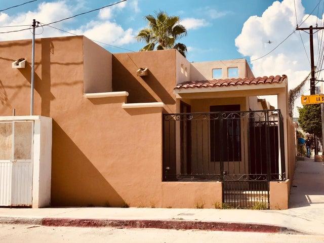 Forjadores esq calle La Soleda, Casa SANTA ROSA, San Jose del Cabo,