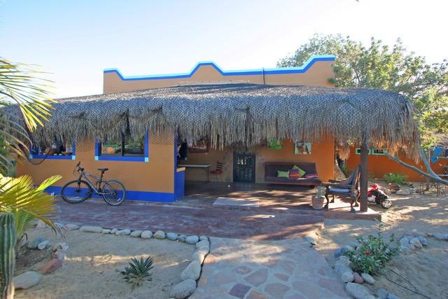 Calle Jonathan, Casa Bungalow, East Cape,