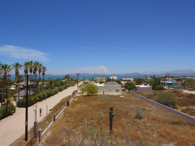Calle 3, Comitan Beach lot, La Paz,