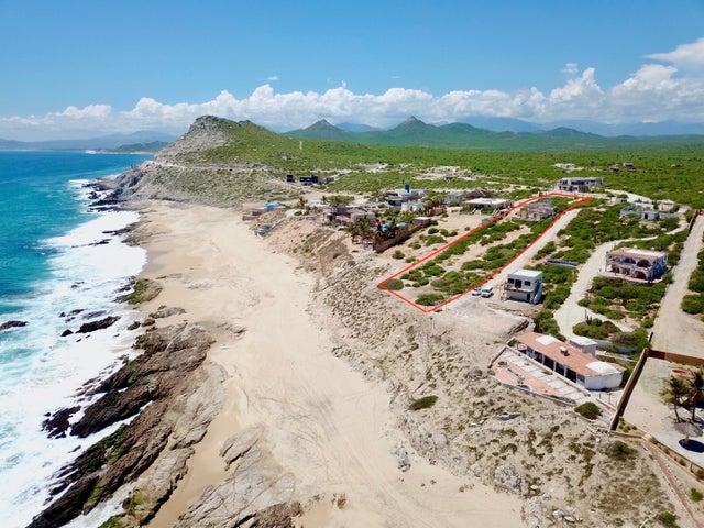 Calle Sin Nombre, Zacatitos Beachfront, East Cape,