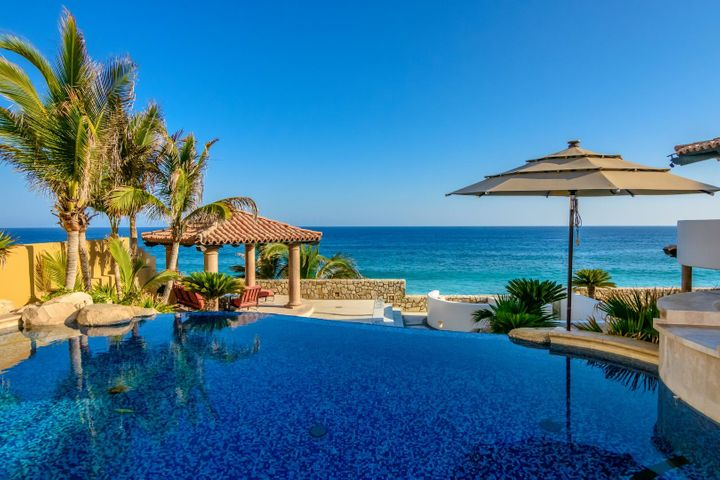 Casa Ocho: Luxury oceanfront living