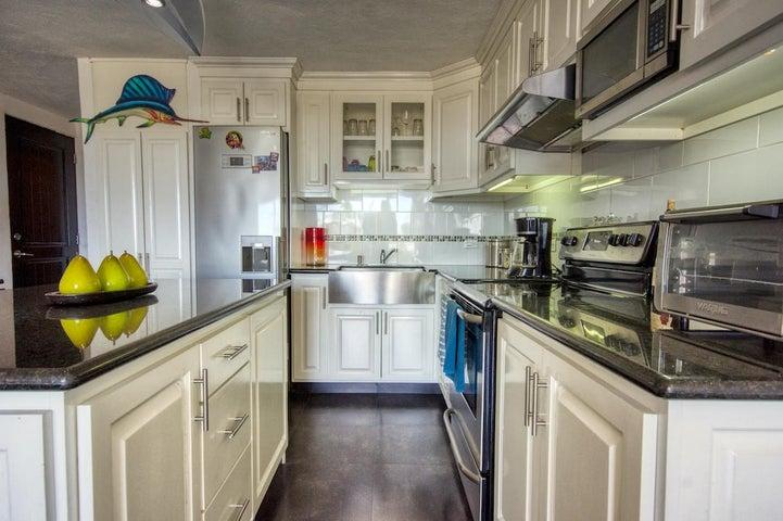 Fresh, new kitchen
