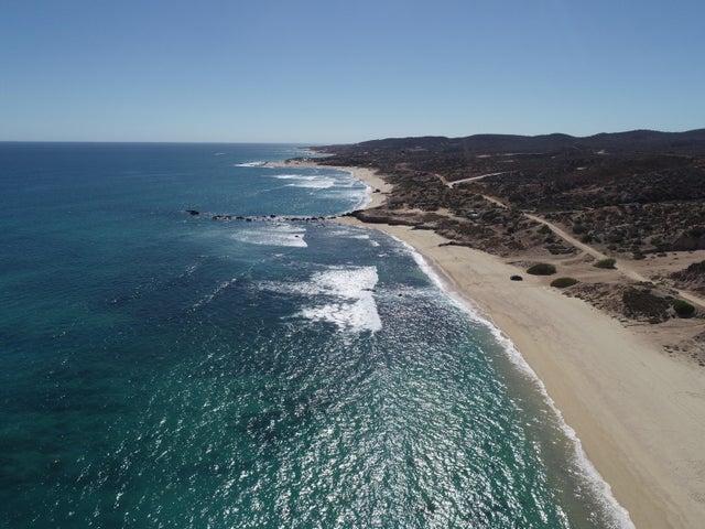 camino cabo del este, Sandy Shores, East Cape,