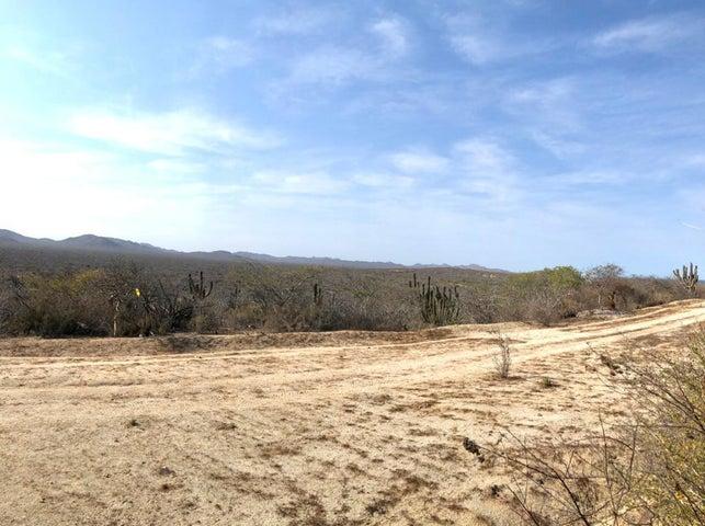 Camino Cabo del Este, Costa de Oro lot 517, East Cape,