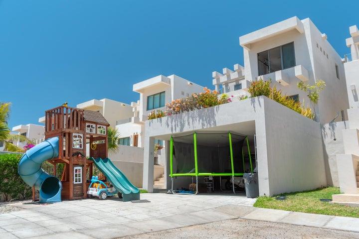 Via la paloma, Casa Mexicana, Cabo Corridor,