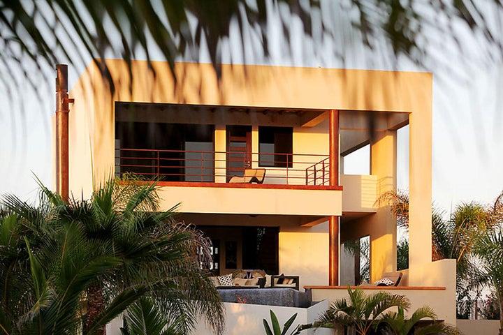 Camino Internacional, Casa Corazon, Pacific,