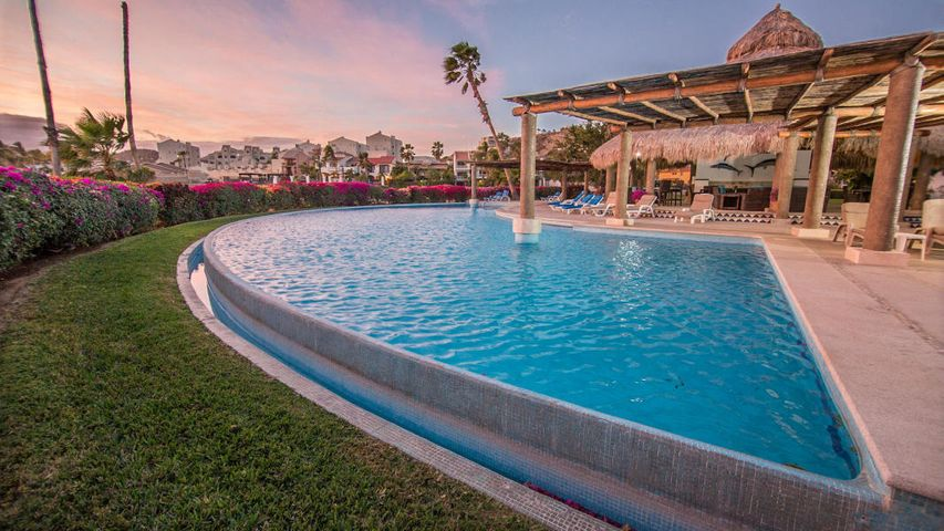 Live in this fully furnished condo in Peninsula Complex, great Ocean & Golf Views.This gated community offers security 24/7, walking distance to beach, restaurant, grocery shopping & Donwntown San Jose.Motivated Seller!