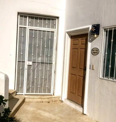 Loma Linda 401 Bodega & Entry